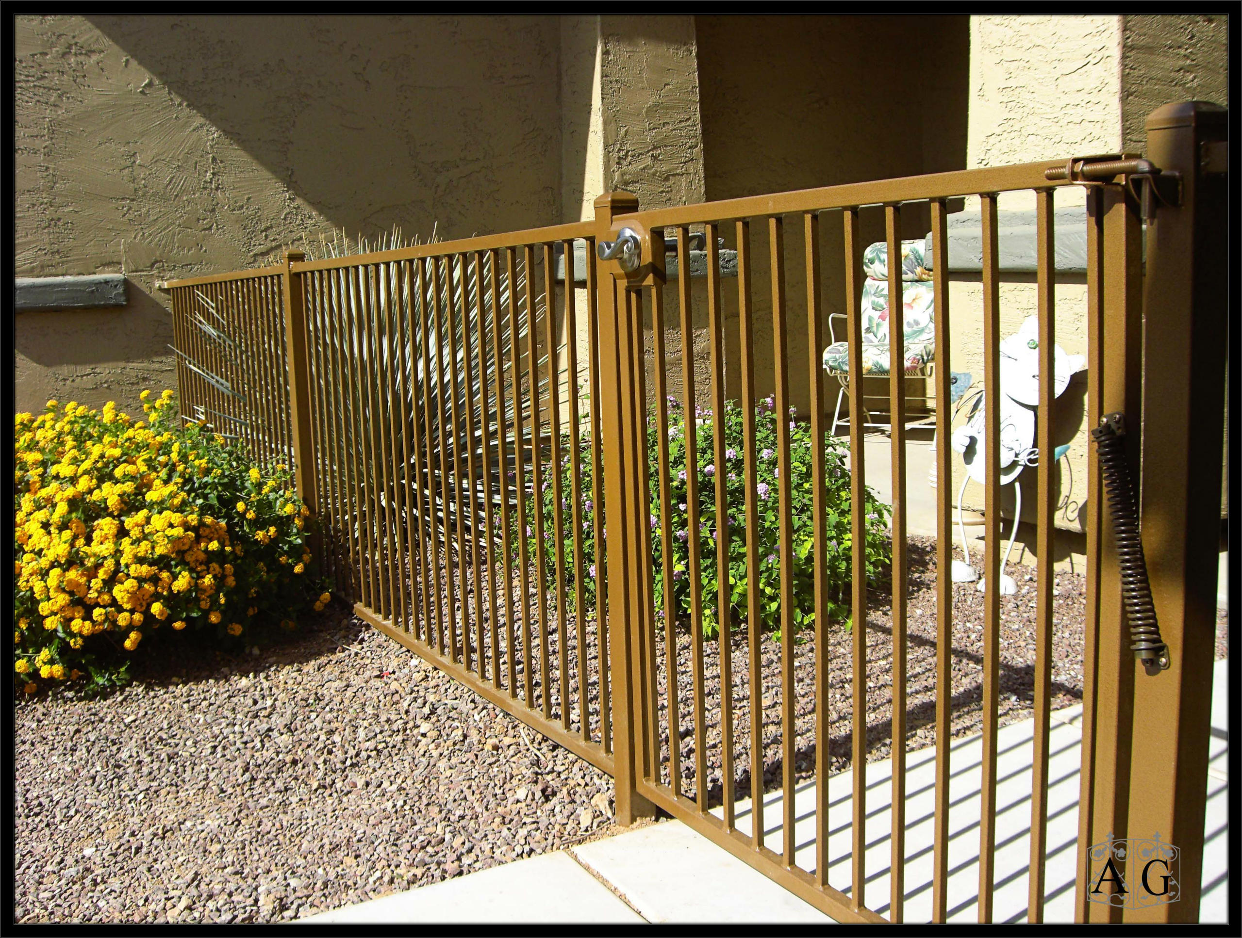 Tips on vinyl wood and metal fence installation