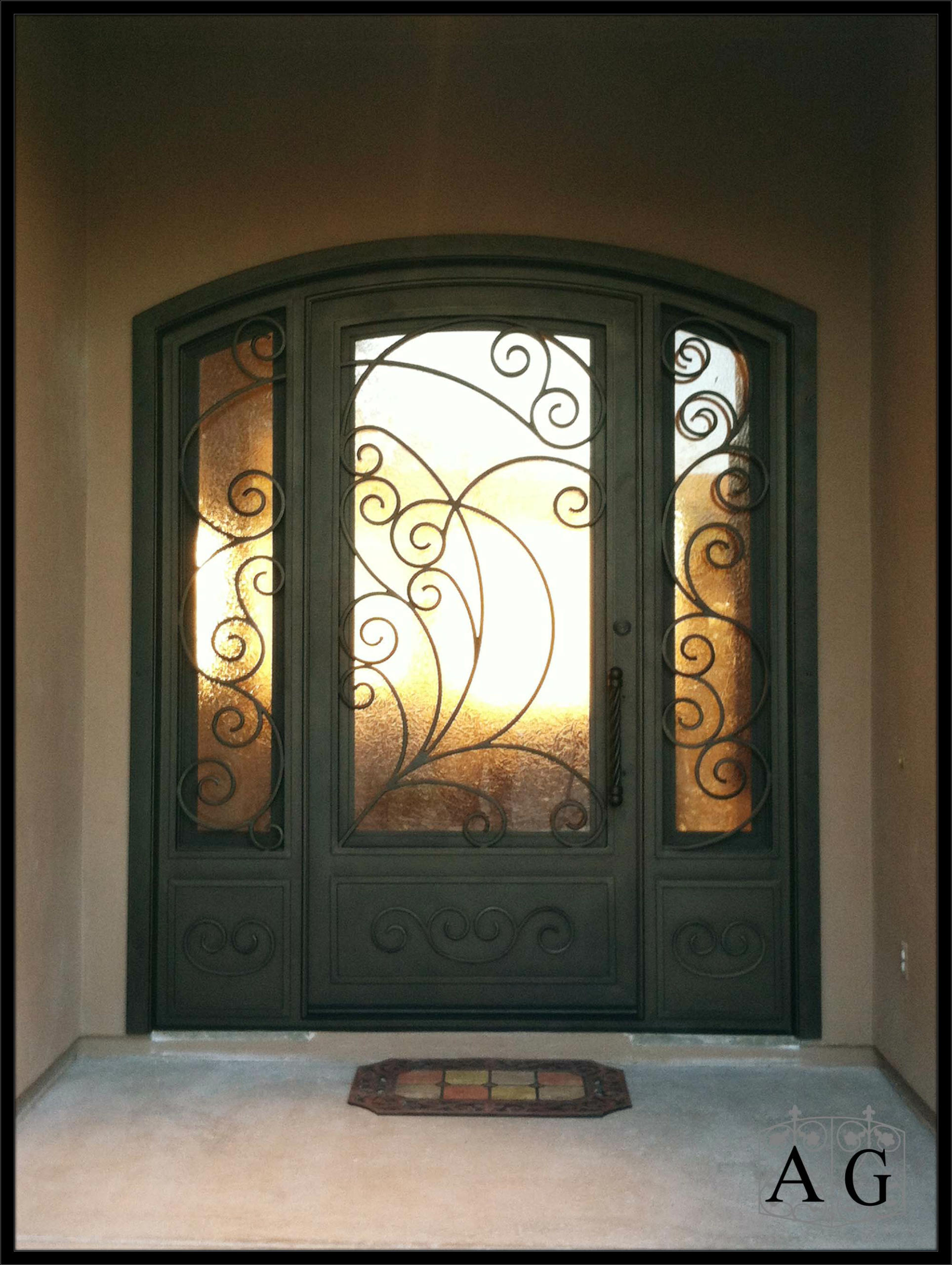 Frosted glass front door - Agc_ge_sarida 3